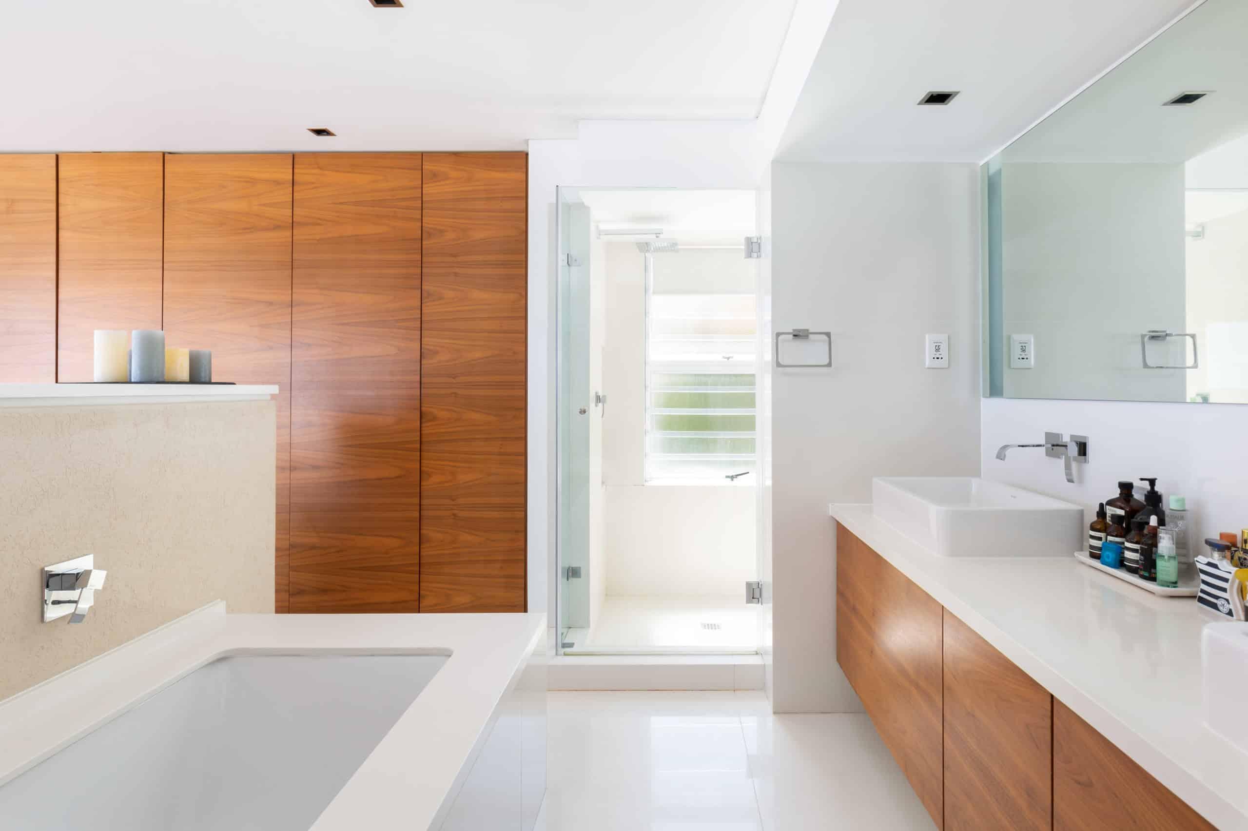 Beachfront Penthouse Sea Breeze Bathroom(1)